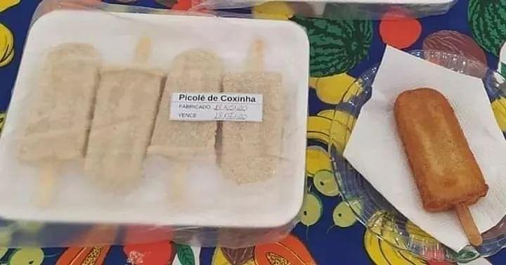 Recebi a foto e quero. Achei super criativo hahahaha Brasileiro se supera sempre hahahaha quando a gente acha que não tem mais o que inventar, crava coxinha em formato de sorvete para fritar hahahaha Amei!!!!!! Mas em SP é sorvete de palito e não picolé #coxinha #sorvete pic.twitter.com/GSaQFQrbK8