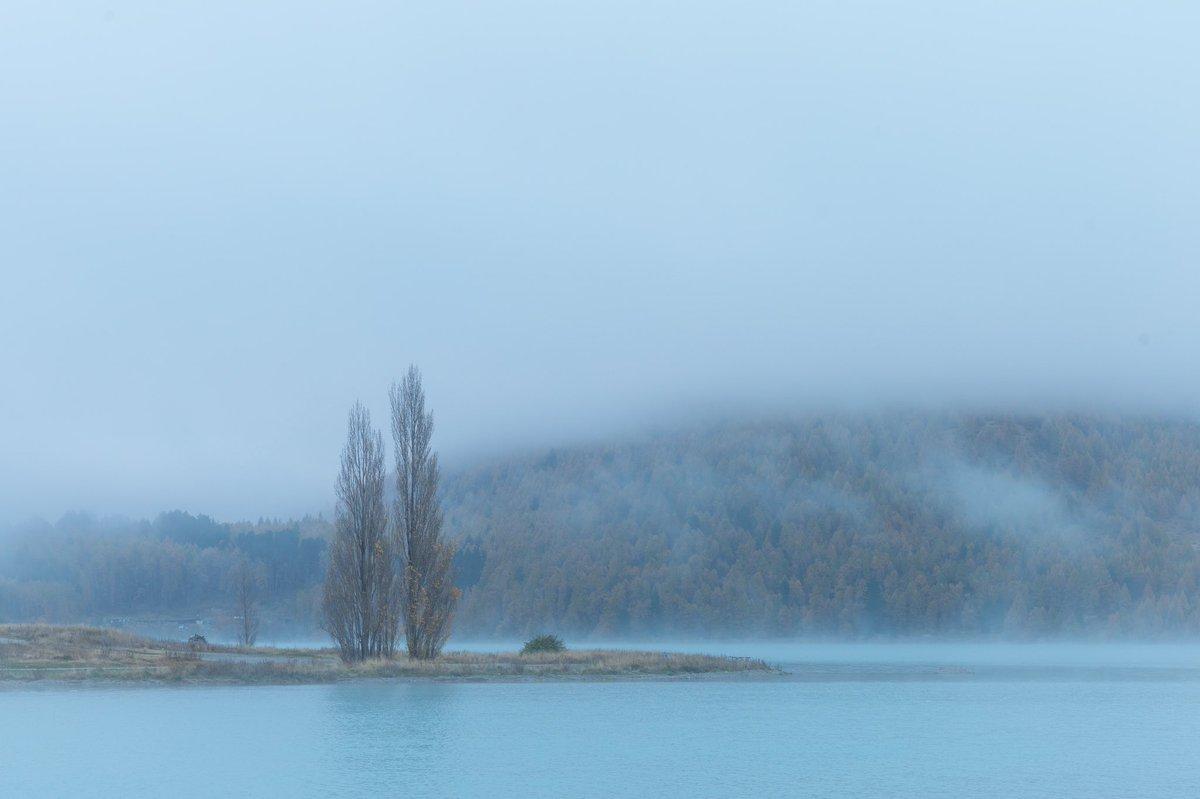 Lake Tekapo in the foggy morning. #newzealand #photography #写真好きな人と繋がりたい pic.twitter.com/unLrFbuBMb
