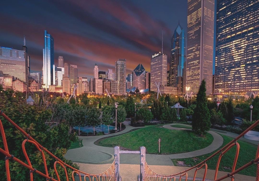 "🌅 @Millennium_Park is just a portion of the 319-acre Grant Park, known as the ""front lawn"" of downtown Chicago and just steps away from our front door 📸 @sonycamera.accessories ⁠ https://t.co/DKrhbPPNGs"