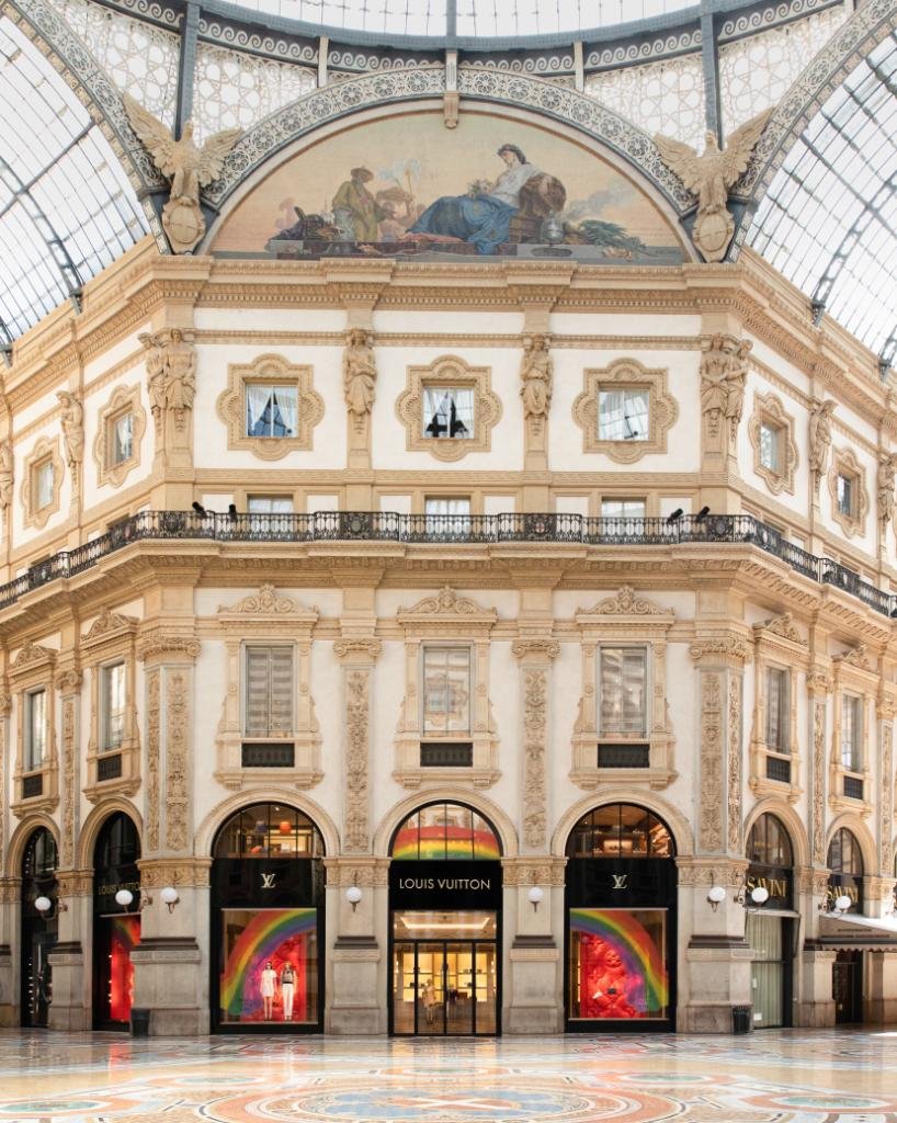 As select stores begin to re-open around the world, hand-drawn rainbows by children and employees serve as welcoming beacons of hope during this uncertain time. #LV🌈 #LouisVuitton Maison Louis Vuitton Galleria Vittorio Emanuele II, 20121 Milano – Italy