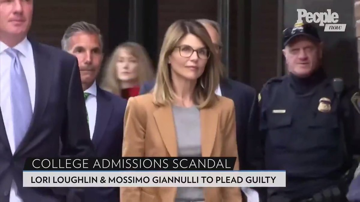 Lori Loughlin and Mossimo Giannulli Agree to Plead Guilty in College Admissions Case #PeopleNow