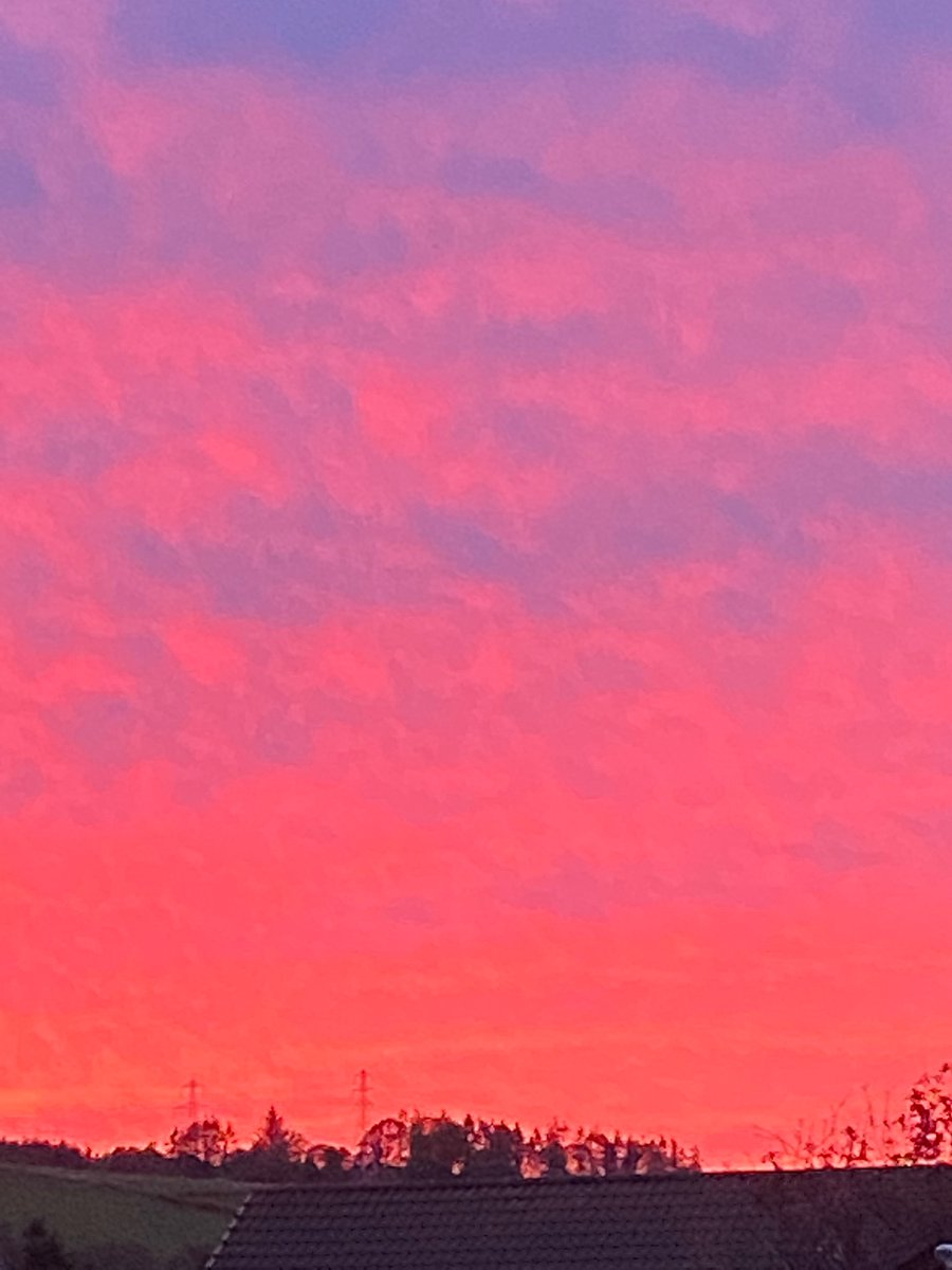 Wow what a sunset .... #nofilterneeded  #sunsetphotography pic.twitter.com/KGbY2D2lVf