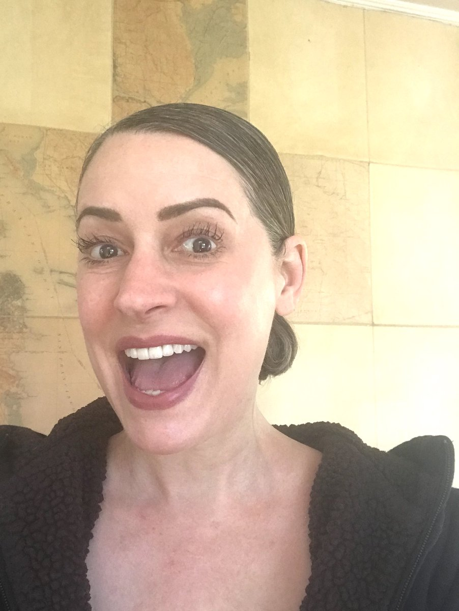 Likefluence Com See The Best Tweets From Paget Brewster