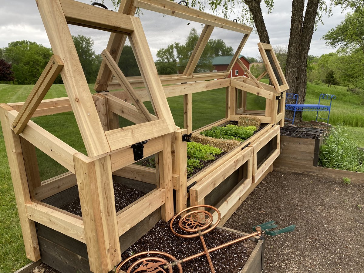 RT @agrimanners: We live in the valley where Rudolph & all his cousins live. I'm sure they were sitting in the forest laughing while watching the build. But, no can do, Rudolph. Shown: open, then locked & loaded.   #garden #gardening #gardeningtips  #gar… pic.twitter.com/ari3W8krWM