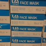 Chaque mercredi depuis des mois, nous récupérons notre dotation de masques chirurgicaux préparée par l'ARS. Merci à toutes les personnes qui travaillent dans l'ombre et qui préparent nos dotations, pas moins de 125O masques chaque semaine pour les Jardins du Castel.