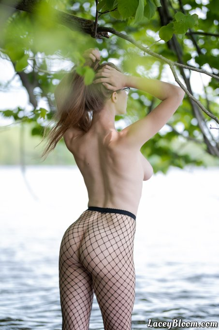 "2 pic. 💦🌿🎣🌿💦 My NEW ""Hooked on Fishnets"" HD photo set is up on https://t.co/7MnzmvsXaF for subscribing"