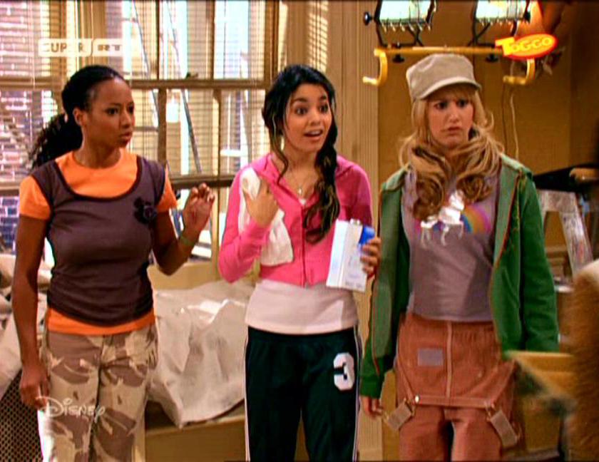 """Vanessa Hudgens Brasil в Twitter: """"Quem aqui lembra quando Vanessa Hudgens  e Monique Coleman faziam participações em """"Zack e Cody: Gêmeos em Ação""""?  Elas interpretavam Corrie e Mary-Margaret, amigas de escola de"""