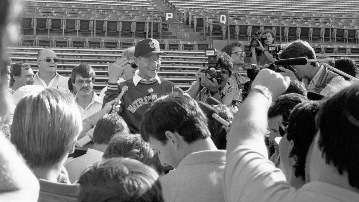 .@NDFootball ⏩ 1990 Orange Bowl Champions 🍀🍊🏆