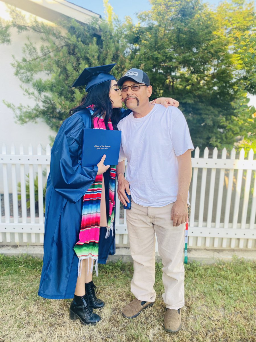 Thankful for all the sacrifices they did for me and my future. Gracias a dios, si se pudo , esto fue todo para ustedes #FirstGenGrad #CollegeGrad #Latina #weldingmajor #degreepic.twitter.com/XNBOe0ZhDS