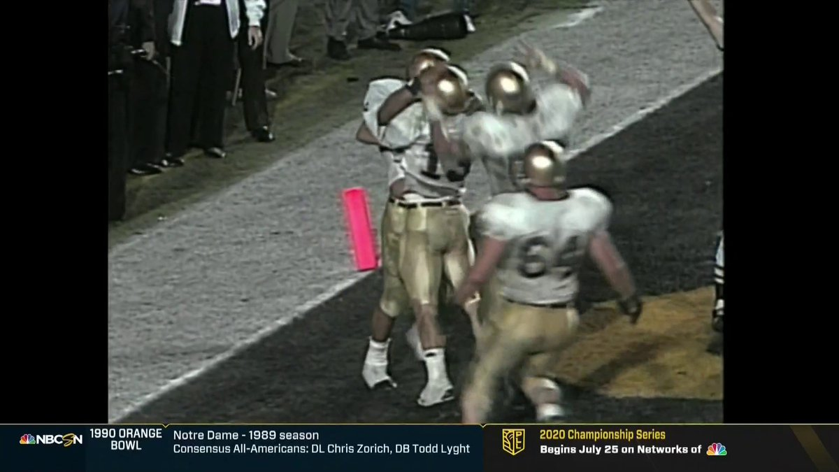 Absolute scenes! The touchdown that secured the 1990 @OrangeBowl for @NDFootball ☘️ #NDWatchParty | #NBCSNVault
