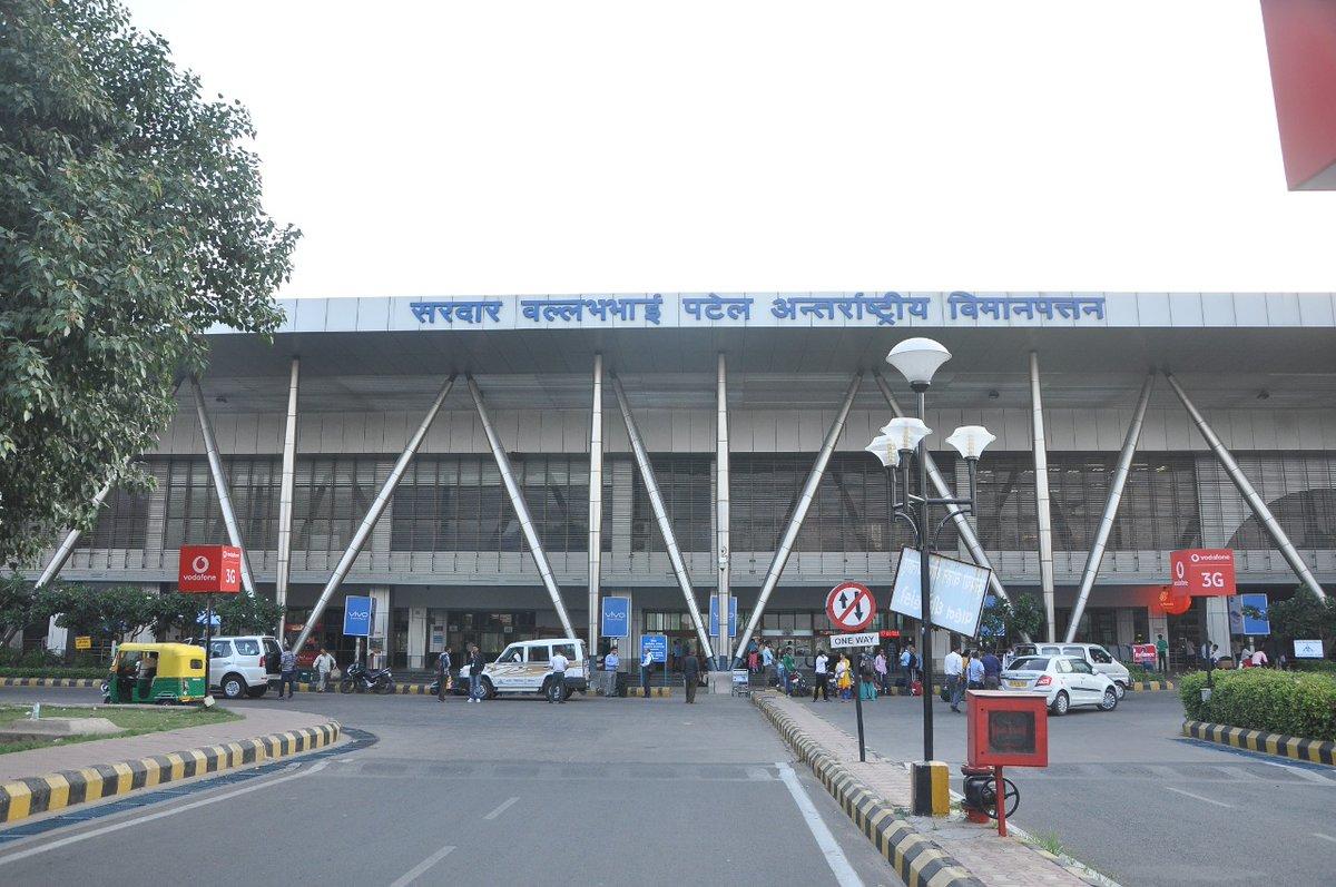 #MissonVandeBharat #AhmedabadAirport handled a flight AI1309 on 21.05.2020 from Jakarta via Mumbai to bring back our countrymen. We are proud of #CoronaWarrior of #AAI. #AAI_SVPIACares. @MoCA_GoI @vijayrupanibjp @ushapadhee1996 @memberops @AAI_Official @aairedwr