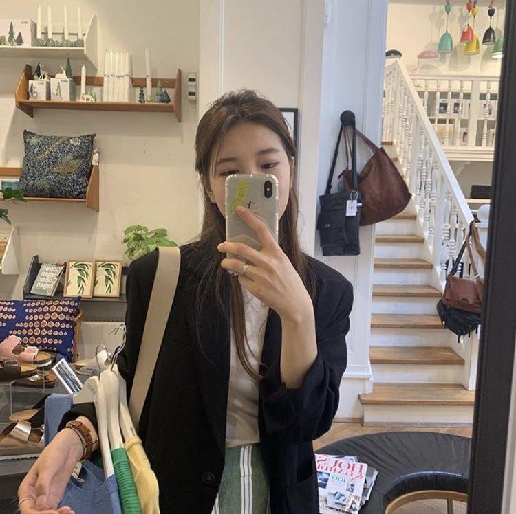 girlfriend suzy <br>http://pic.twitter.com/BtjnUvSbDH