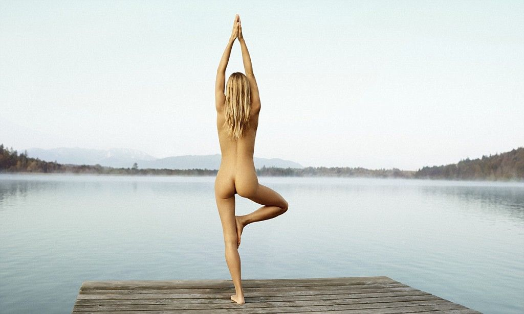 Alexa nude in nude yoga