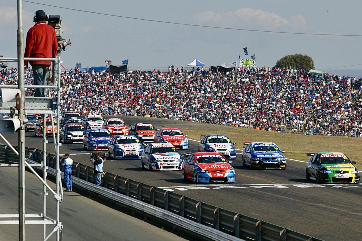 reverse-grid race, at Oran Park Raceway in 2006. Reverse grids ...