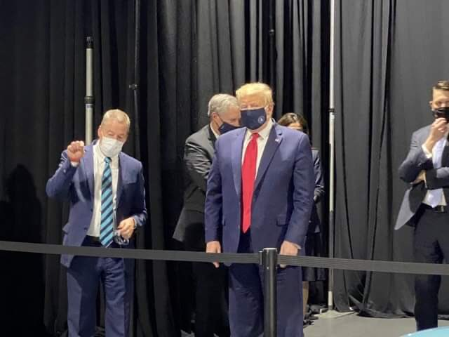 CyLn5GVQ_bigger Trump did wear a mask at the Ford plant, and somebody took a picture [your]NEWS