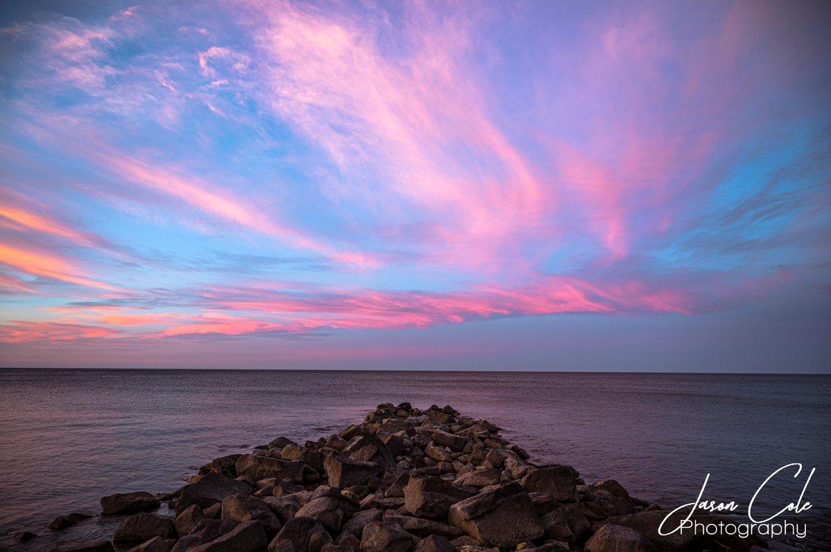 Colorful reverse sunset in Brank Rock #sunset #sunsetphotography pic.twitter.com/aBYtr0OzkJ