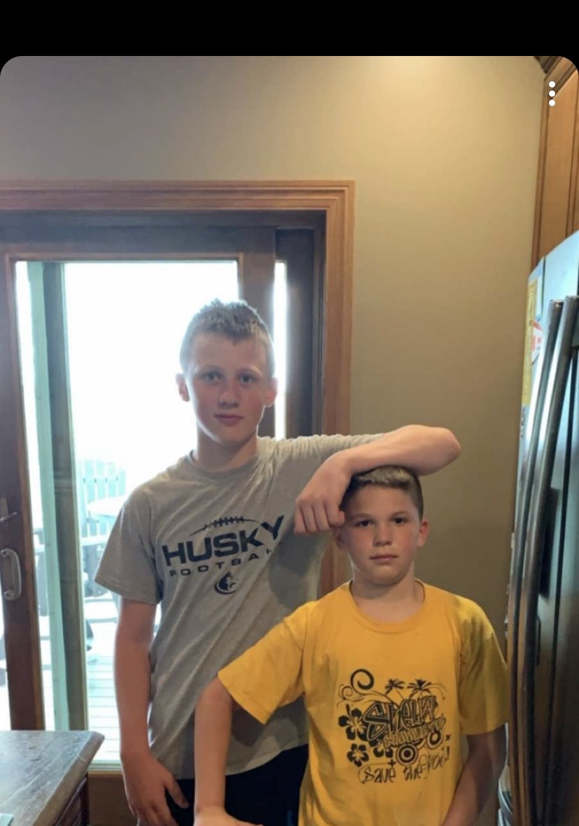 Coy and his best friend Owen, these two are 37 days apart In age 🤣 Coy is a giant 🙈 this summer they will be 13 😳 https://t.co/dWR1smnYcQ