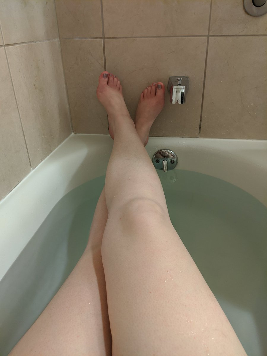 Isn't it wonderful when you have such a good time with someone that you want to do it again and again? A pretty good day! Finishing the day with a nice soak. This trip was amazing! Thank you #FoCo!  #companion #nuru #gfe #teasepic.twitter.com/m32vwMv59K