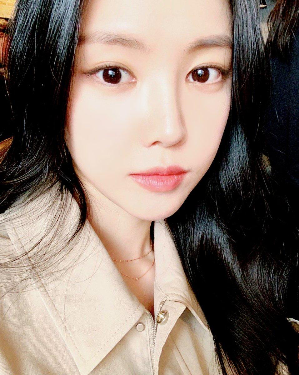 [#에이핑크] 우리 나은이가 출연하는 MBC 드라마 저녁 같이 드실래요가 오늘 9시 30분 #MBC 에서 첫방송을 합니다! 모든 여자들의 워너비인 진노을 캐릭터로 변신한 나은이의 모습이 궁금하다면 오늘 밤 9시 30분! 본방사수 놓치지 마세요❣ #Apink #손나은 #나은 #저녁_같이_드실래요 #진노을