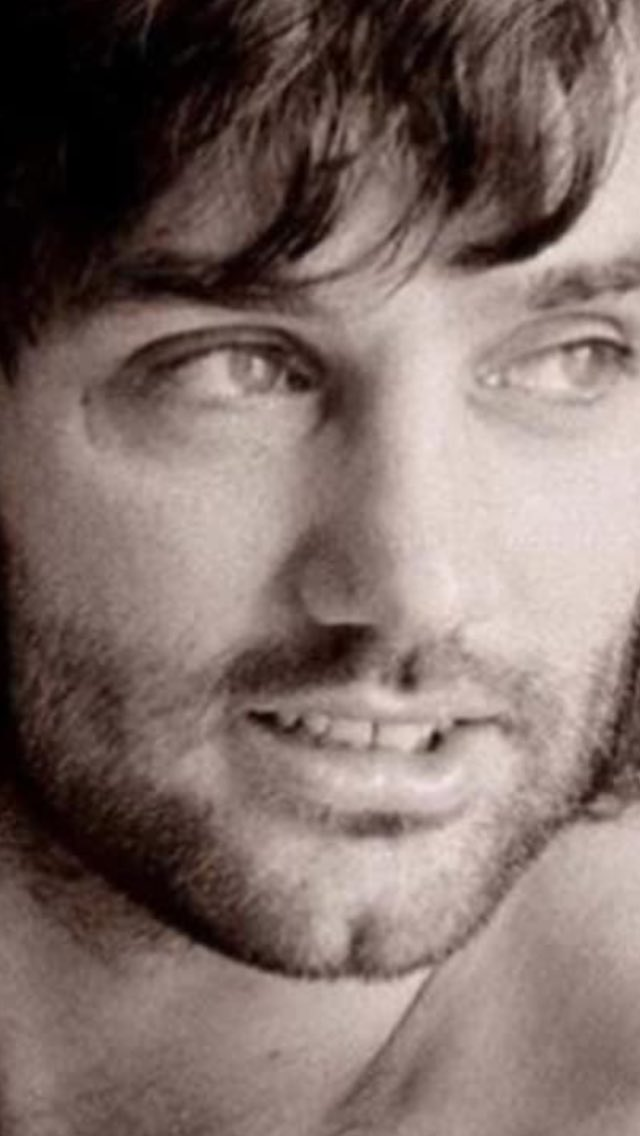 Happy heavenly birthday to this absolute legend -mr George best - My alltime fav Irish son