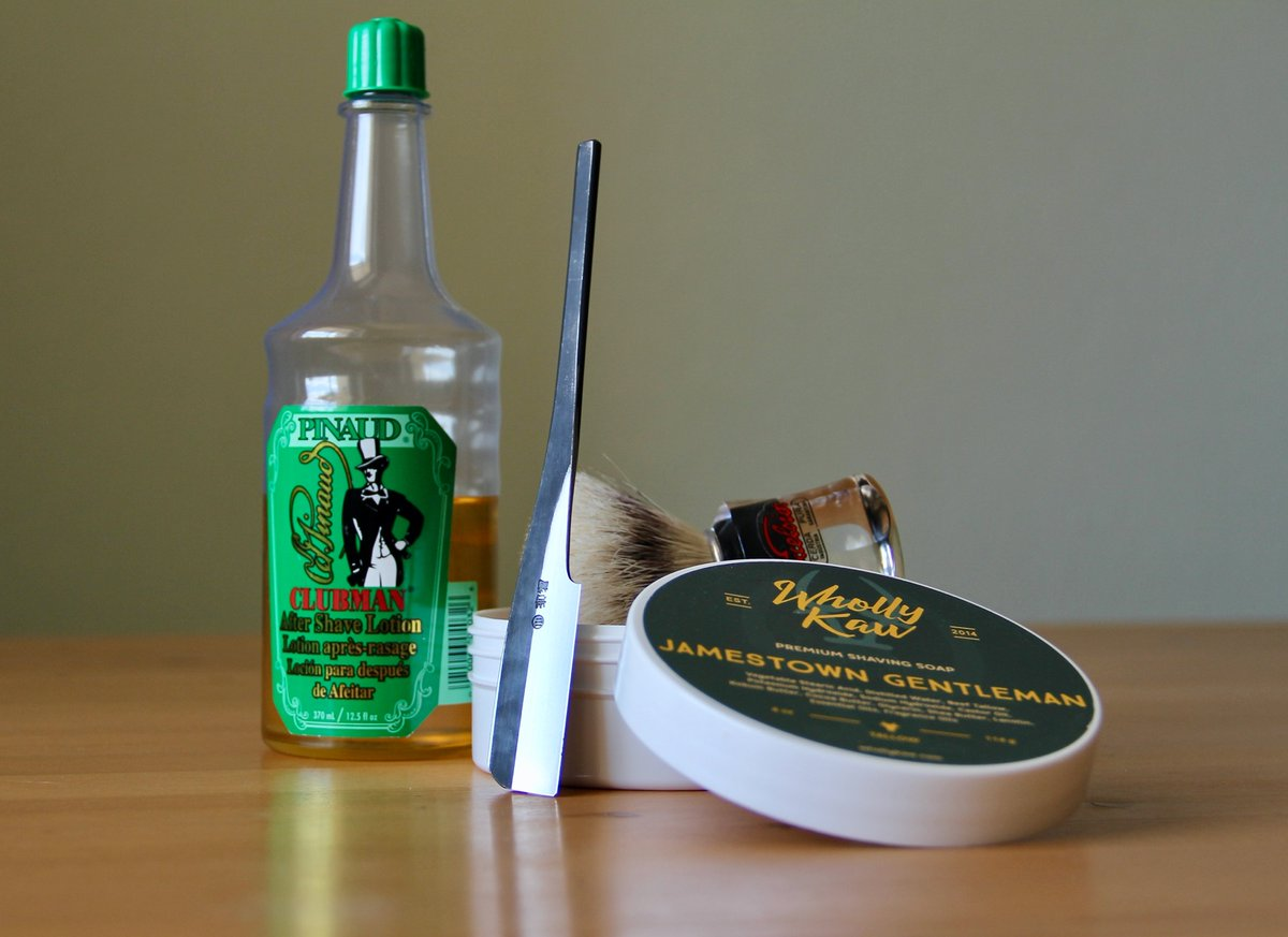 Shave of the day. Wholly Kaw - Jamestown Gentleman. Semogue boar brush. Pinaud Clubman After Shave. #Iwasaki Kamisori #RasurDesTagespic.twitter.com/pajPQT5zAd