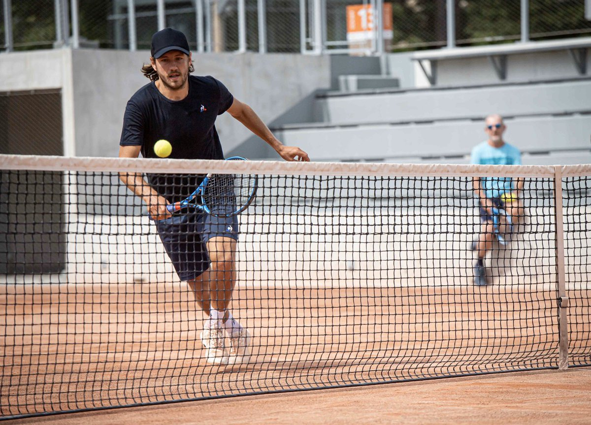 Happy to be #BackOnCourt , especially now with my new #Babolat #PureDrive ! Let's get ready to play again 👊🏻🙏🏻 @babolat   ( 📸 : Ch. Guibbaud / FFT) https://t.co/fdm6AakXci