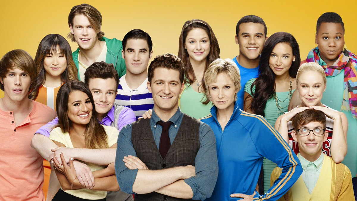"""Ryan Murphy confirmed that the original """"GLEE"""" cast will return if his proposed reboot happens! #GLEE<br>http://pic.twitter.com/1pCZ4qH2mS"""