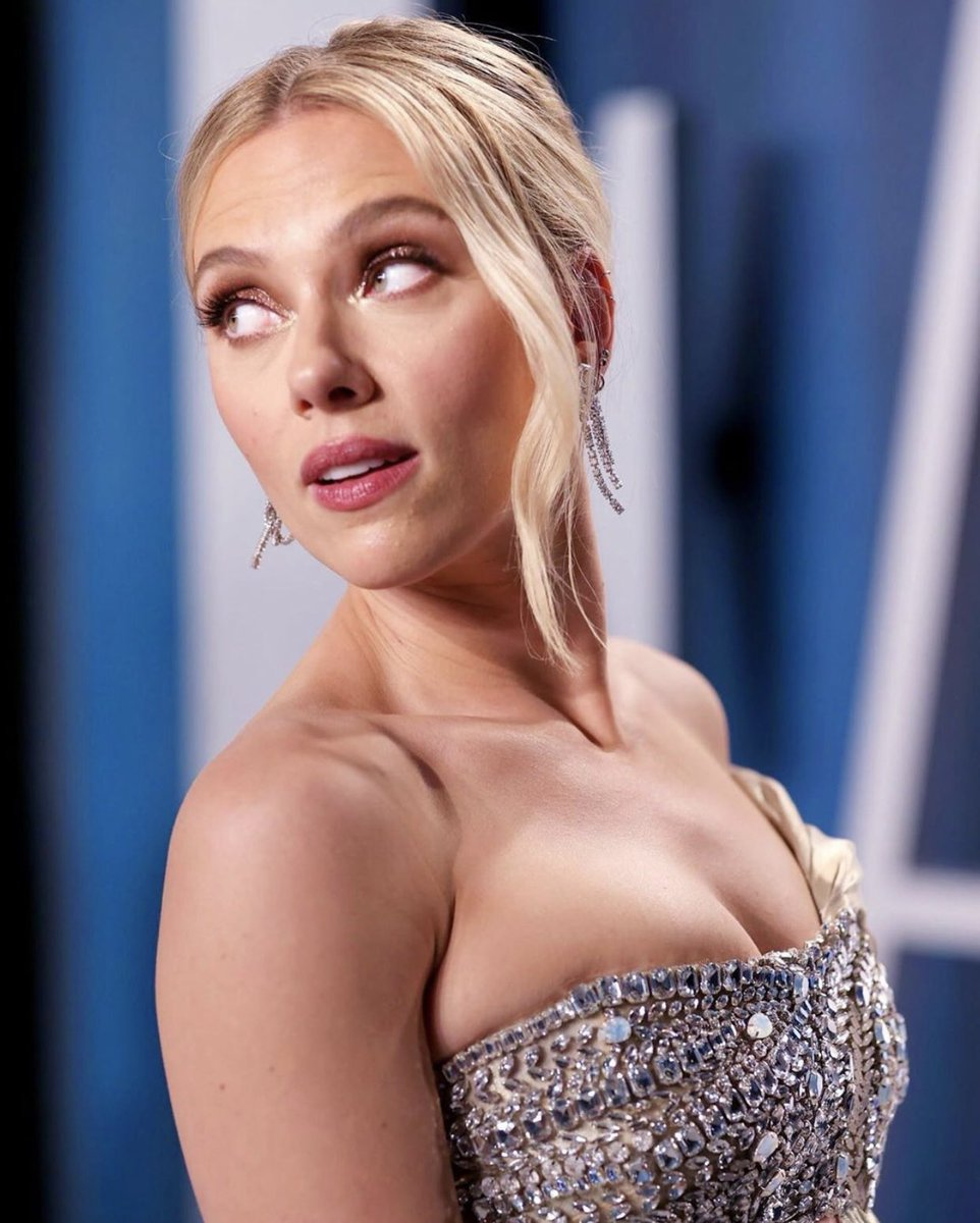 "She is the most wonderful woman in this world  : ""Vanity fair Oscar party red carpet"", 2020  #scarlettjohansson 