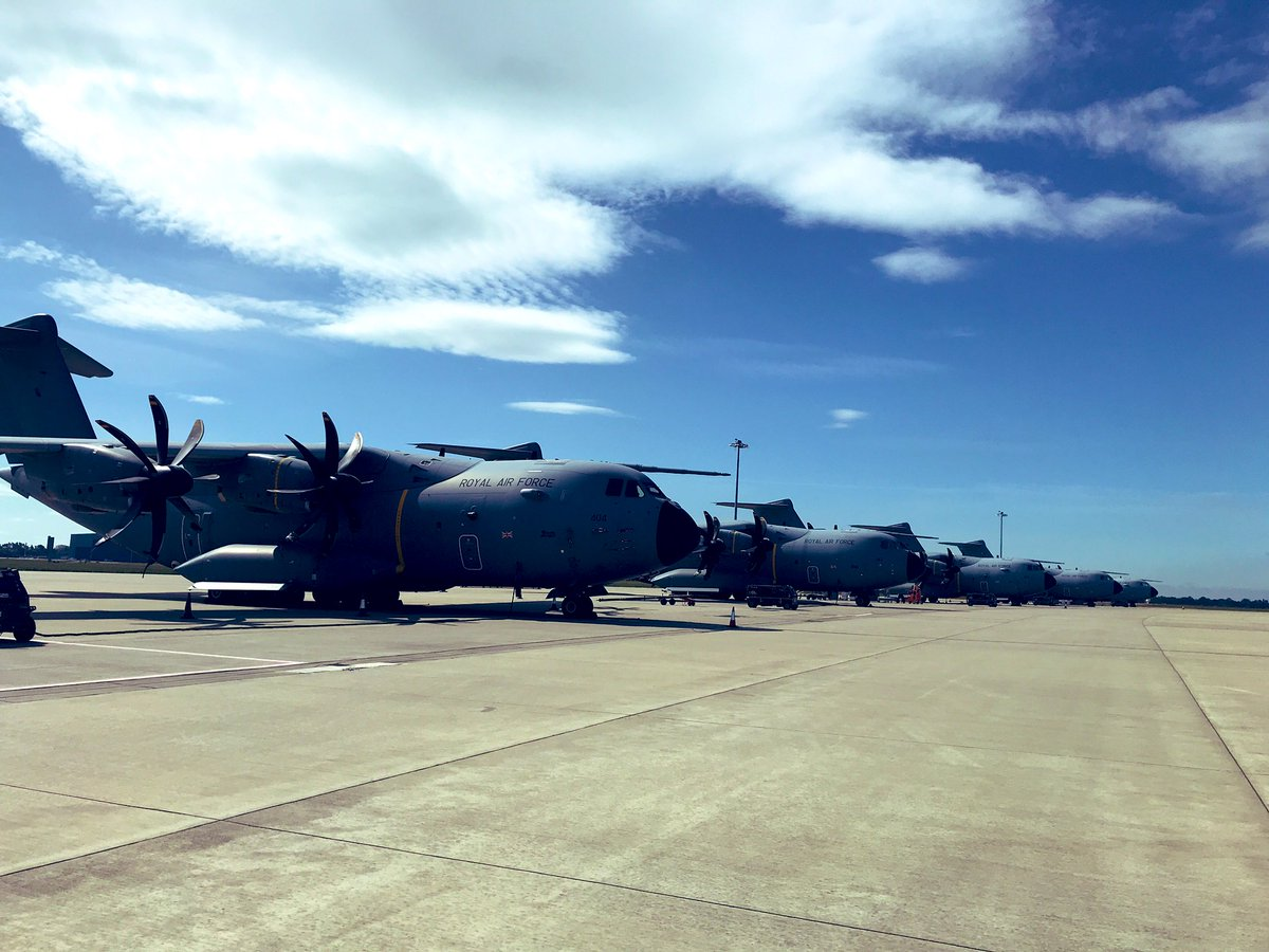 There's been some great flying weather so far this month with crews getting some great training done in very quiet skies! Let us know if you've seen us flying over you! 👋🏻 #avgeek #aviationphotography #sunshine #a400m #Airbus #planespotting #pilotlife #MilitaryAppreciationMonth https://t.co/fkolk6ZctY