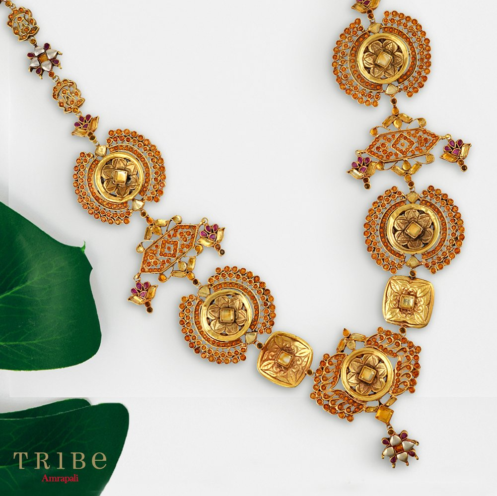 Embellished with coloured glass, gold-plated silver jewellery comes alive to give you a fresh look for the spring season. Shop from our Phulwari Collection here https://bit.ly/TribePhulwariCollection…  #TribeAmrapali #Jewellery #JewelleryLove #PhulwariCollectionpic.twitter.com/EKUZsPnY7z