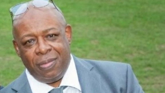 Trevor Belle, a 61-year old taxi driver in London, died from COVID-19 a few days after a passenger who told him he had the virus first refused to pay his fare then spat on him: lbcnews.co.uk/uk-news/taxi-d…. The fundraiser for his funeral and his family is here: gofundme.com/f/trevor-belle…