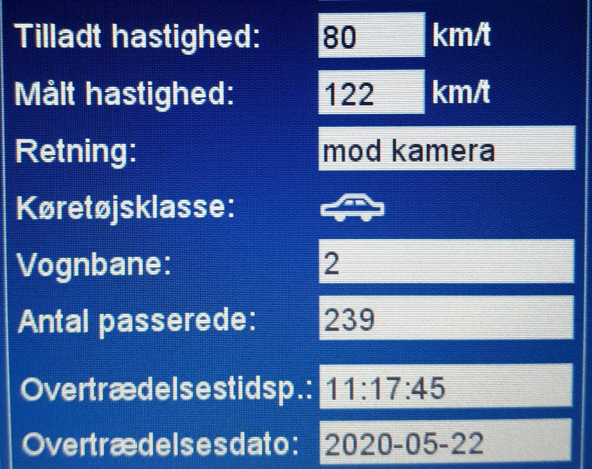 ATK har i dag målt på Aabenraavej i Vejen kommune, desværre måtte vi blitze hver 10. bilist (24 sager ialt, ud af 240 målte køretøjer) for at køre for hurtigt. 3 får også et klip. Hastigheder målt op til 122km/t i 80zone. Sænk farten og hjælp alle sikkert frem #atkdk #politidk https://t.co/3RKDEGCork