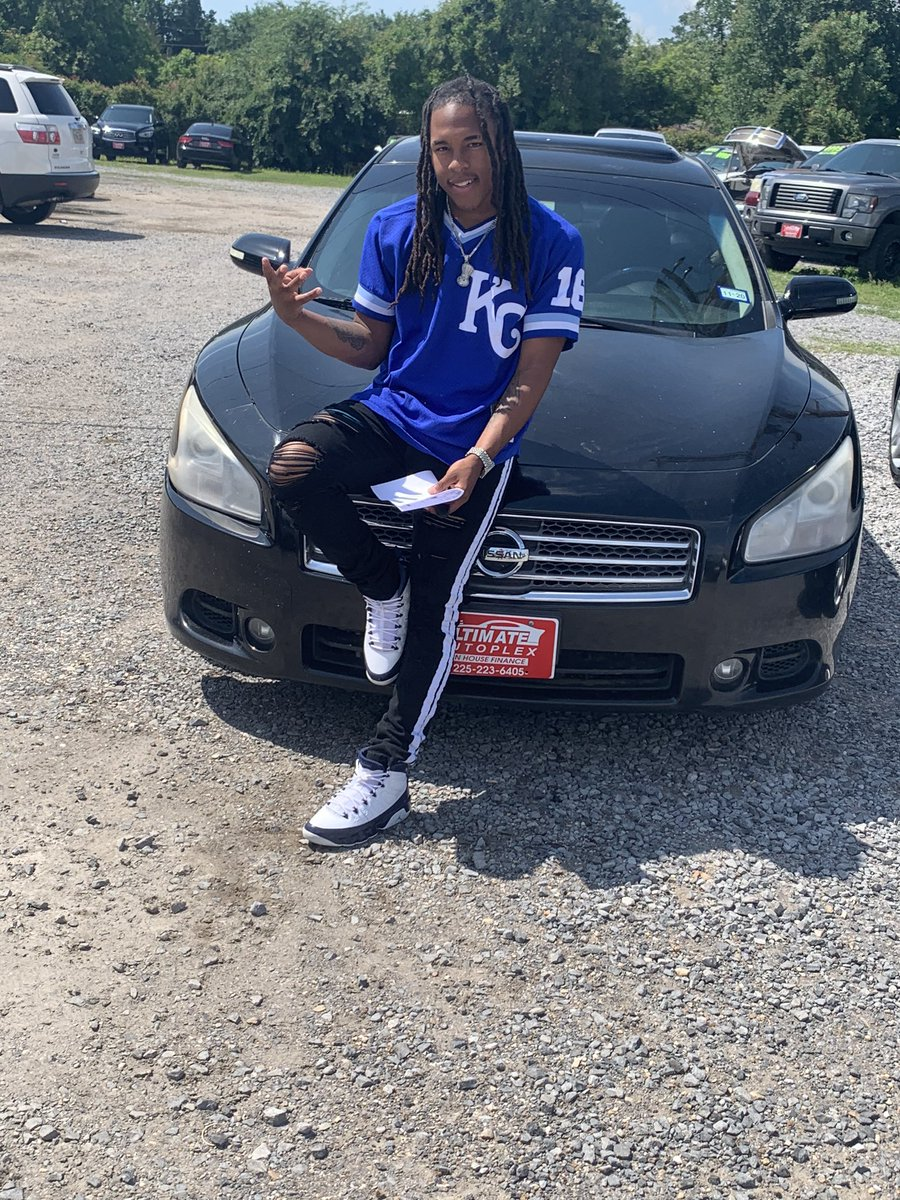 Brought my 3rd car yesterday #Blessed pic.twitter.com/eB0h6XVqvF