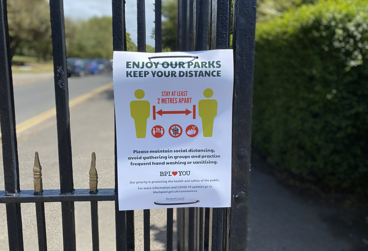 If you're out and about you'll see our posters displayed across the park and public spaces. Always remember to stay at least 2 metres apart from others ⬅️2️⃣➡️ #StayAlert #StaySafe