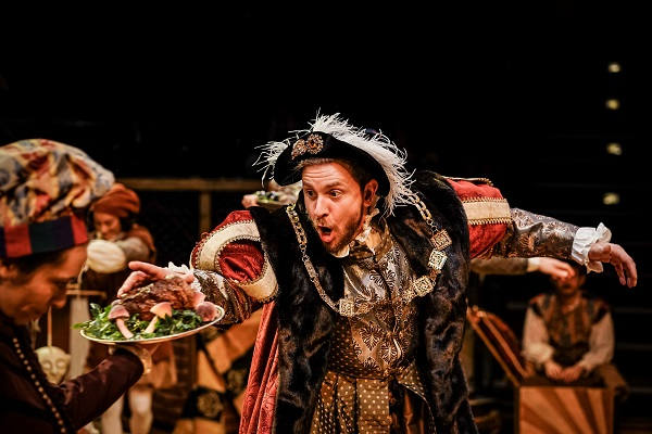 I'm sure you all remember the fantastic performance of Henry VIII by @Thorichardson in #Theprinceandthepauper last christmas? Take a look at the show he was in prior to lockdown, that is now available online #ladychatterleyslover from @tiltedwiguk  https://bit.ly/2WROeMIpic.twitter.com/j68teb0ZwS