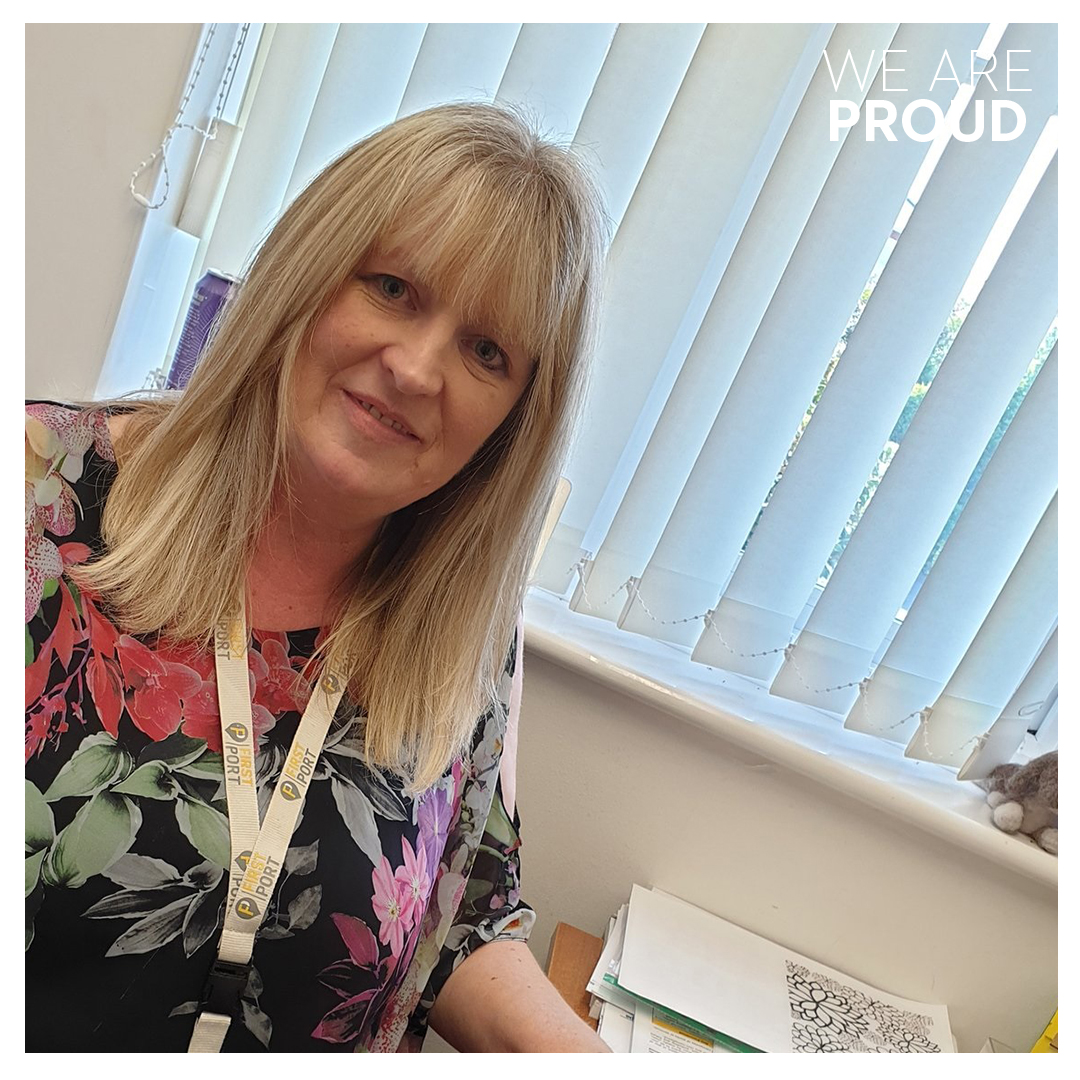 Today we say thank you to Jan who is a big F1 fan, racemaker at the British GP, & Development Manager at a private residence.  In these challenging times, Jan is helping with shopping, laundry & delivering medication to support her residents.  Well done Jan 👏   #WeAreProud https://t.co/VprtBFjL0y