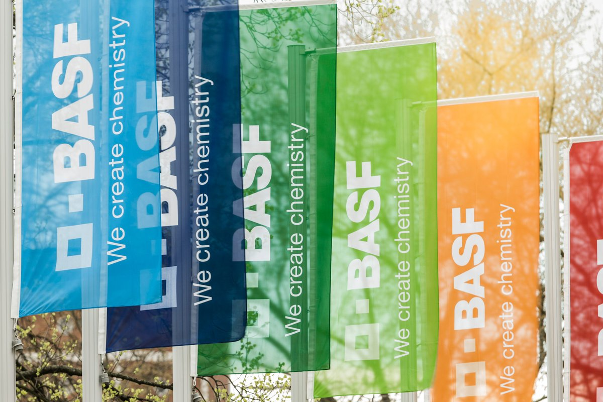 Just released - Invitation to virtual Annual Shareholders' Meeting of BASF SE on June 18, 2020 https://t.co/VomE4AgJRS. Online service for shareholders (absentee voting, issuing a proxy, submitting questions and live webcast) https://t.co/UBfXzTcl2d #BASF $BASFY https://t.co/W71wkCV2Vl