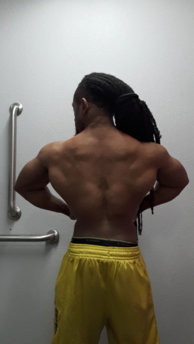 Trying to stay ready for whatever comes next #fridaymorning #gym #gymlife #goals #arc #mississippi #mississippimade #melanin #powerlifting #weightlifting #naturalbodybuilding #drugtested #fitspopic.twitter.com/qMiyxNSayX