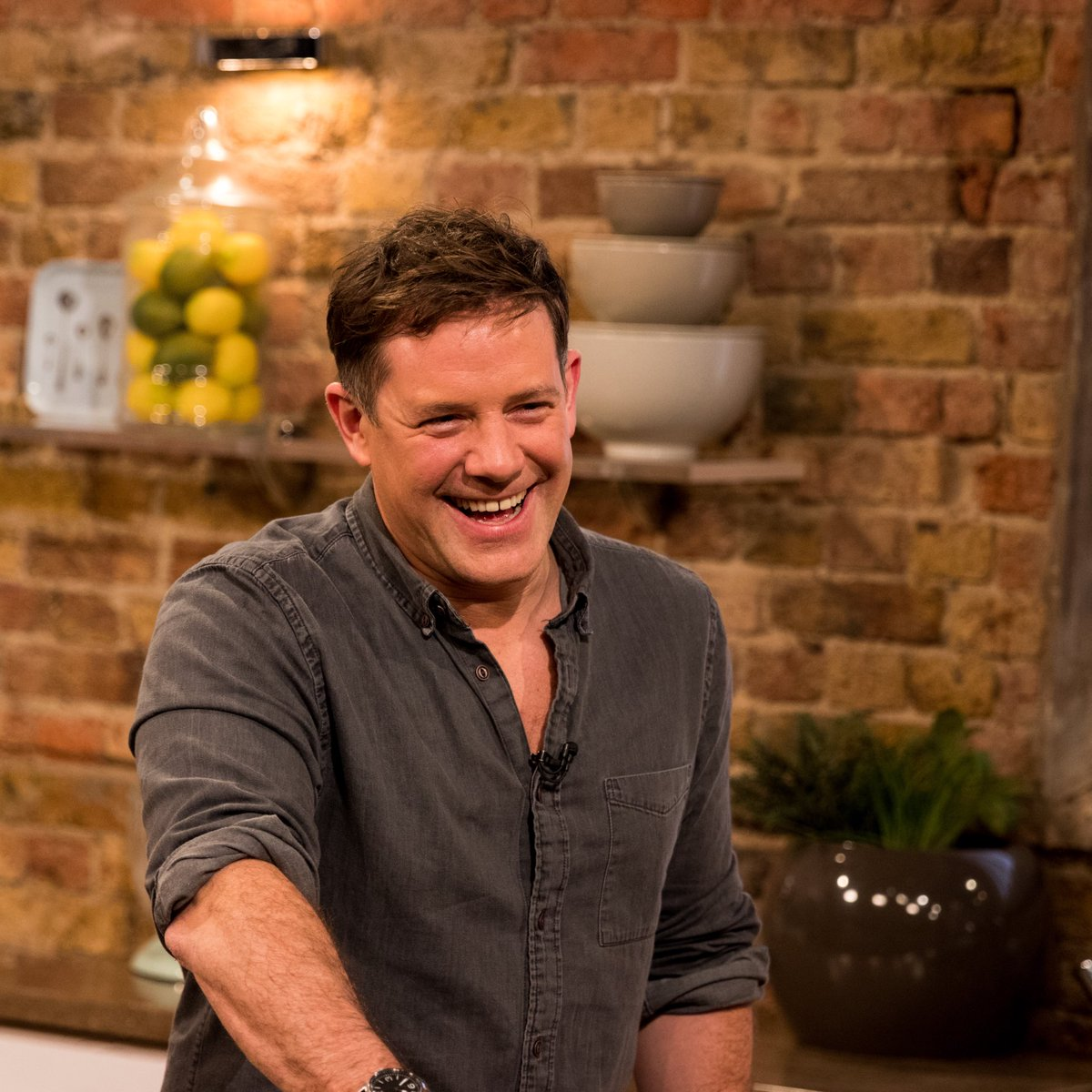 This time tomorrow morning...  Matt's joined for #SaturdayKitchen by chef Andi Oliver, drinks expert Helen McGinn and special guest Dr Rupy Aujla!  Live on @BBCOne at 10am! https://t.co/yDuRdRPnwZ