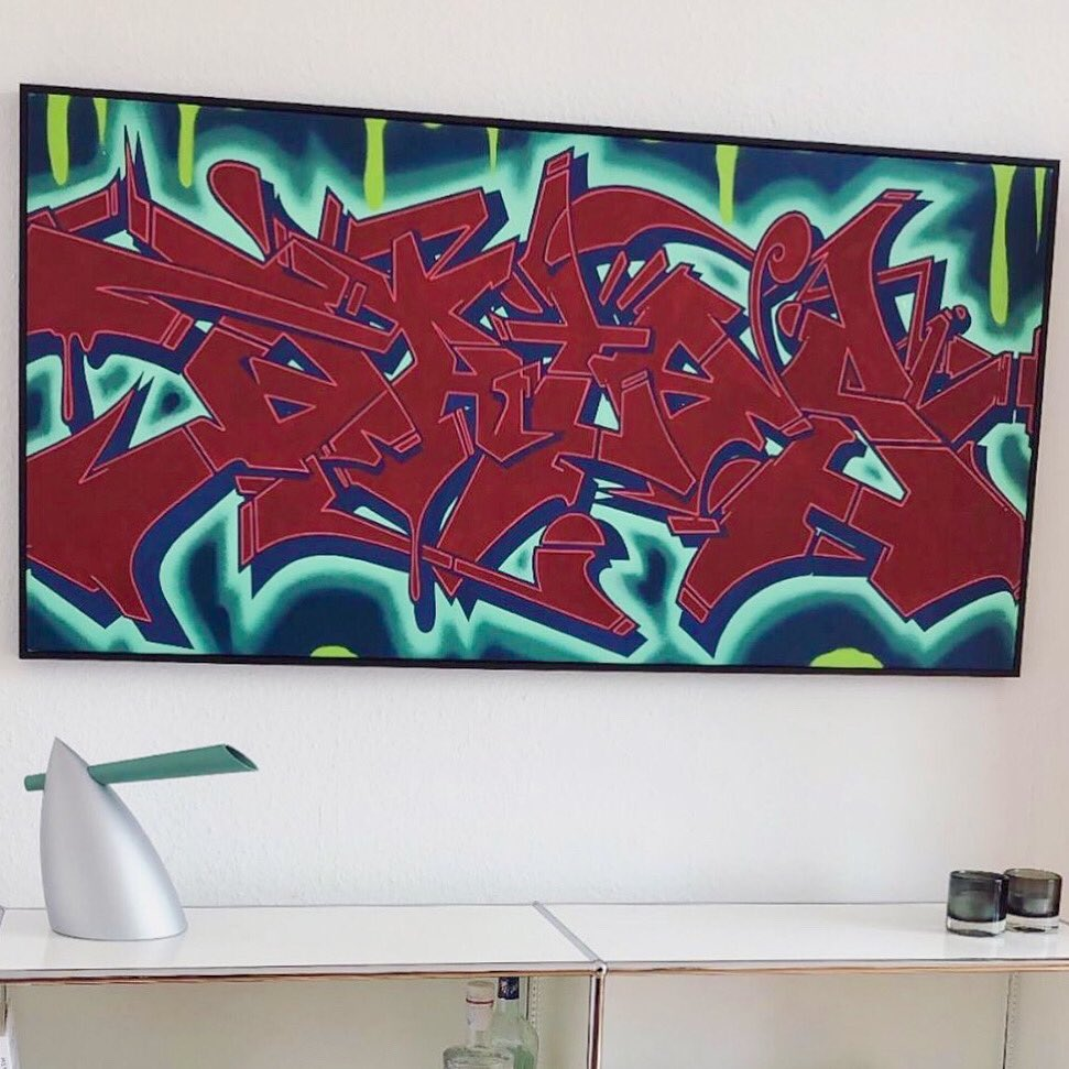 Another happy home! #ArtCollector in Germany, Bates on canvas pic.twitter.com/lKAiMbG1xD
