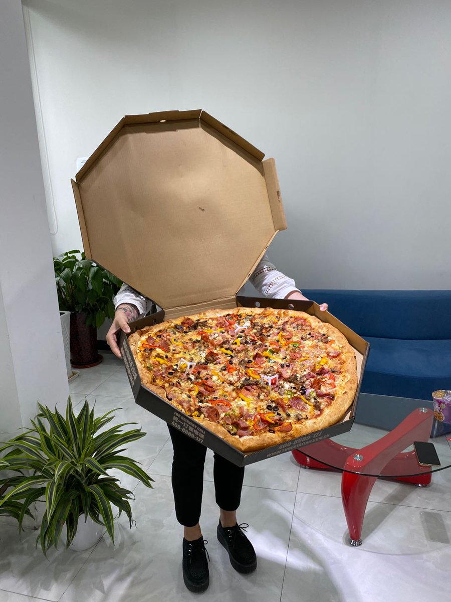 #pizzaday #TNB Friday + 10th anniversary of #Bitcoin Pizza Day Couldnt be better! Thanks for the gift of pizza from the @HuobiGlobal.