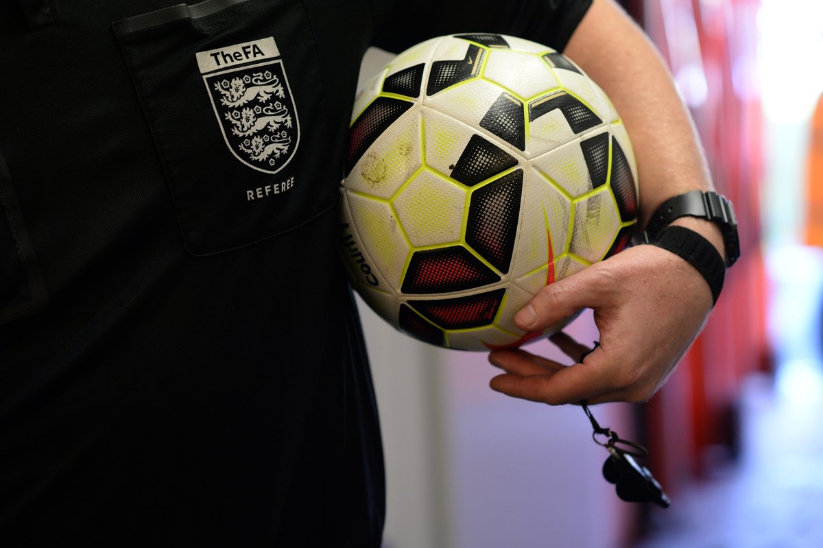 RECORD BREAKERS | 1️⃣4️⃣ of our #referees have been promoted to Level 4 for the 2020-21 season; a record number for #Lincolnshire FA in any one season!  Full story ➡️ https://t.co/wOeSmyuCjE https://t.co/4XFeVneJic