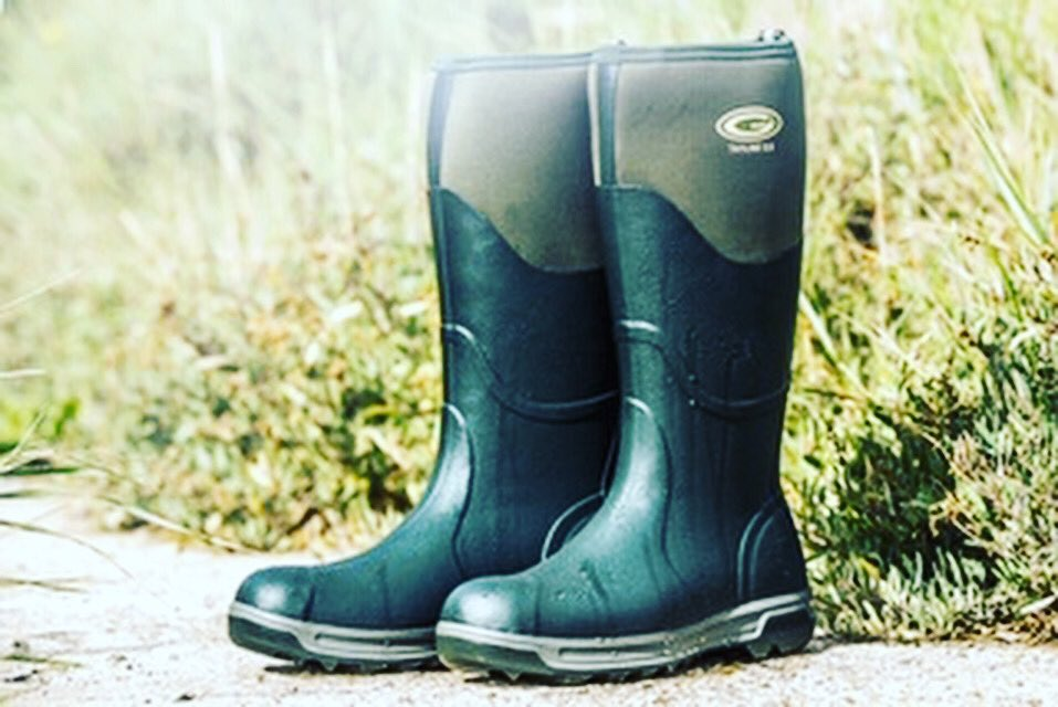 """""""Repeat after me: I deserve new boots!"""" #fridayfeeling @grubsboots #socomfortable #comfort #grip #warm #waterproof #outdoors #countrylife #countryliving #countryfashion #countrystyle #ideserveit #grubspic.twitter.com/kpFCP5kcNw"""