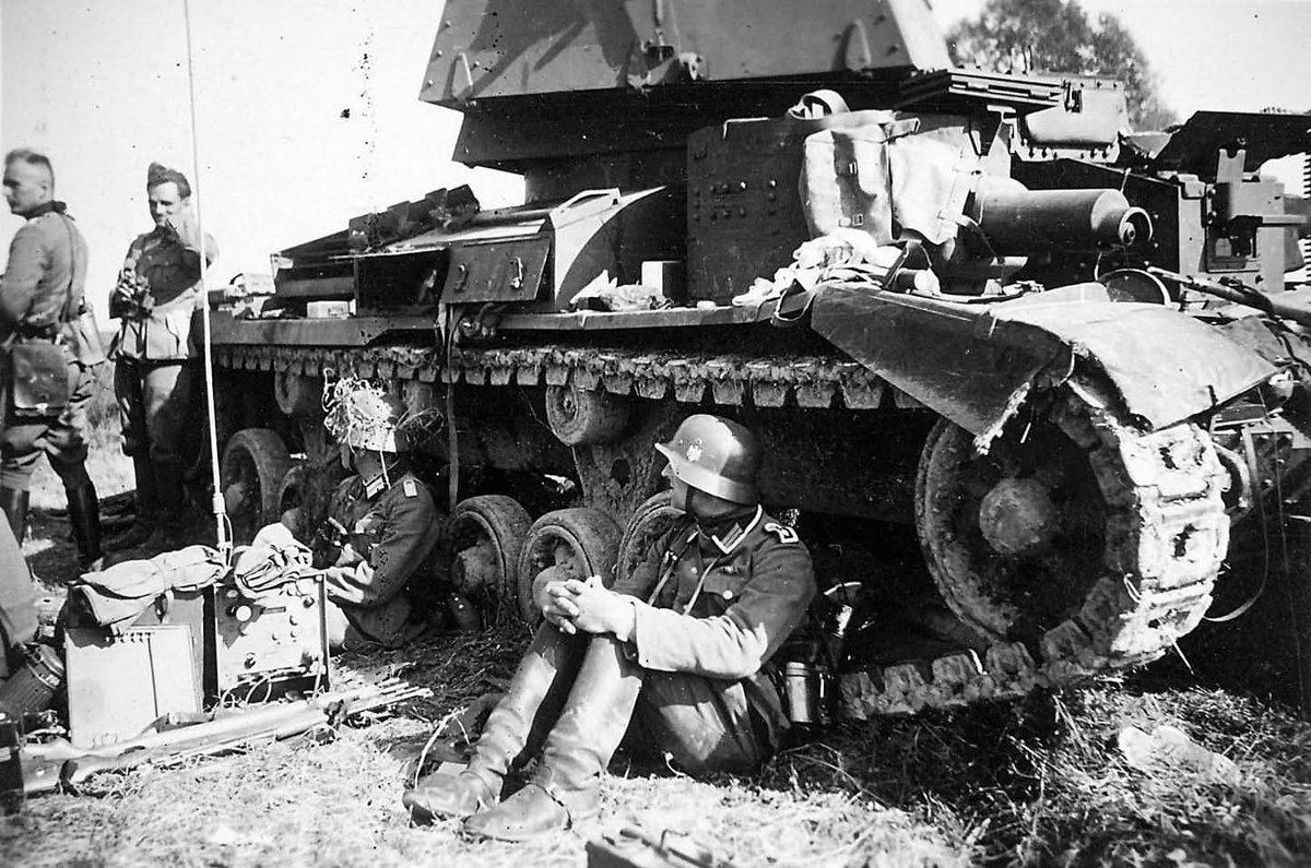 """アプロ on Twitter: """"#Twitterを戦車でいっぱいにしろ ずらりと並んだ ..."""