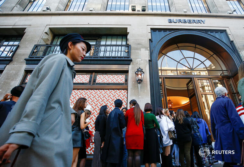 Burberry and its fashion rivals face a summer of discontent as purchases by tourists won't rebound for a while, says @LJucca: https://t.co/EDbIxy7xOE https://t.co/ABbZl2De4U