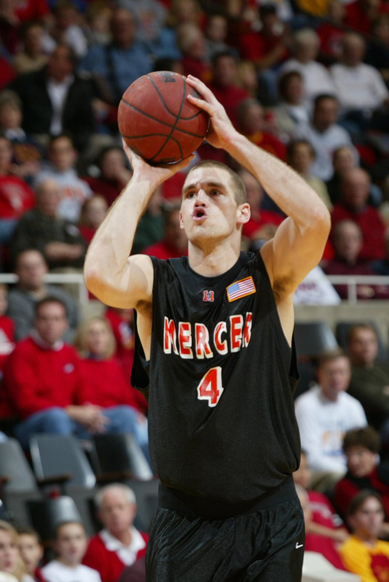 Did you know about Scott Emerson's (1999-04) accomplishments as a 🐻? Learn more ⬇  • Scored 1,753 points • Two-time https://t.co/PsLA7CF1zd All-American • Played 5️⃣ pro seasons in Europe • Brothers Will and Daniel also played for Mercer  #RoarTogether https://t.co/rZCw7eqvxU