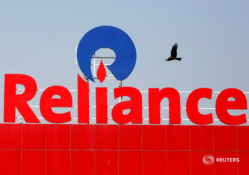 Morgan Stanley has helped Reliance raise $10 bln for the tech unit from Facebook, KKR and others. It wasn't on a bigger deal inked with Aramco but that's less important, especially with the $70 bln Jio unit's IPO on the horizon. @ugalani says: https://t.co/rlmMme3pDc https://t.co/nRHD9rDAu2