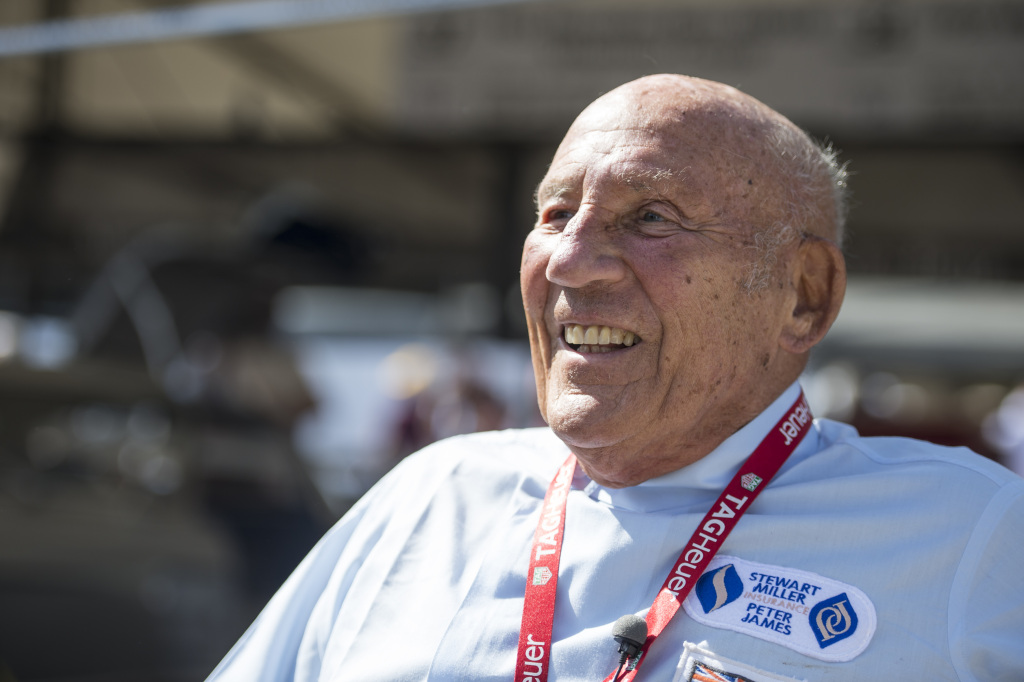 #F1BeyondTheGrid podcast had a never-before-heard interview of Sir Stirling Moss where he spoke about his career, rivals, being selfish, races and more: https://t.co/gh0QBACLsY #F1 @MercedesAMGF1 https://t.co/wmr5rPDO0A