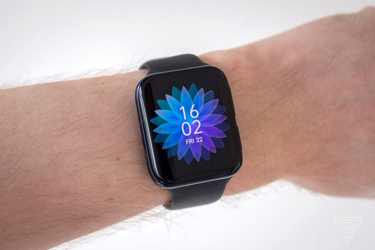 The Oppo Watch isn't bad, but it does look like an Apple Watch