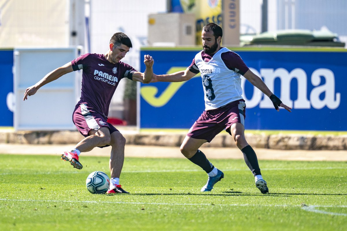 🔋🔛⚽ #Endavant @VillarrealCF! 💥 #GameIsON #VolverEsGanar